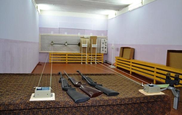 В Киеве восстановят 60 школьных тиров
