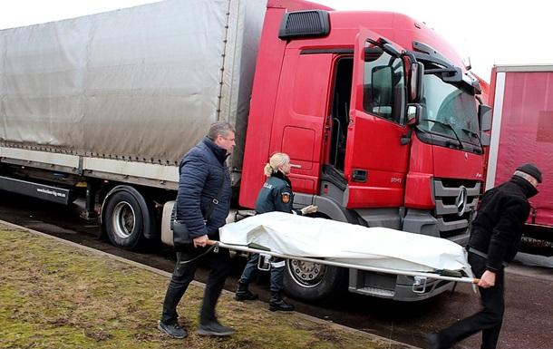 В Литве покончил с собой застрявший в очереди дальнобойщик из РФ