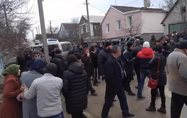 Появилось видео обысков татар в Крыму
