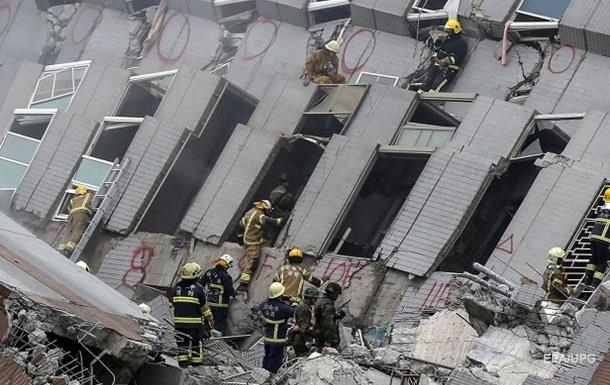Число жертв землетрясения на Тайване достигло 115