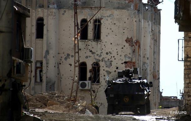 Курды отказались покинуть базу на севере Сирии