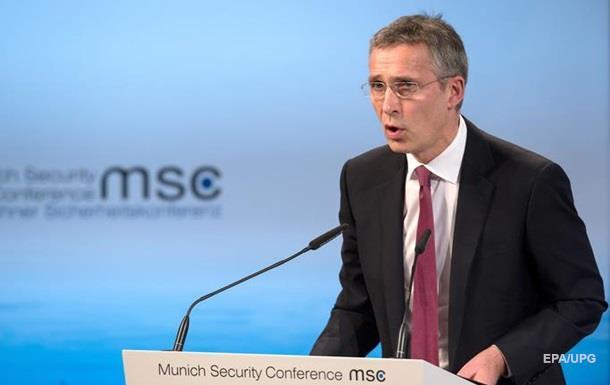 НАТО: Путин угрожает применением ядерного оружия