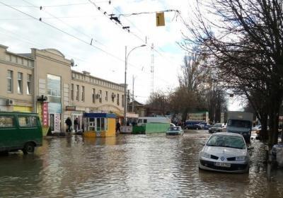 В Одессе «поплыл» рынок «Привоз»