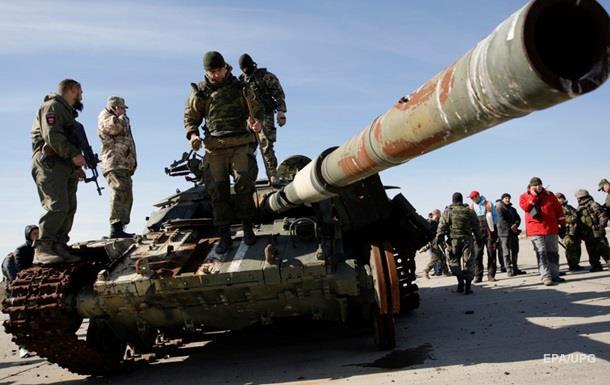 В Иловайск прибыли два эшелона военной техники – разведка