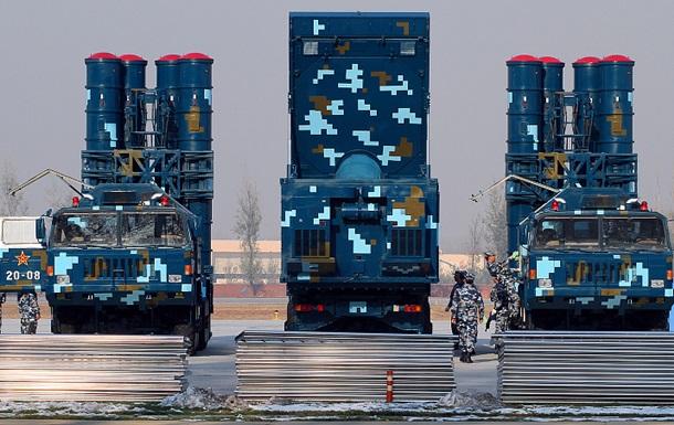Китай разместил ракетные комплексы на спорных островах