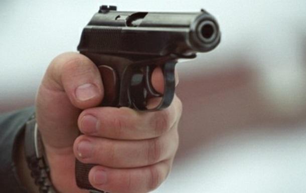 В Киеве в пробке обстреляли автомобиль