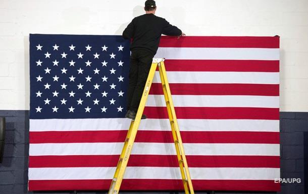 Предвыборная гонка в США: лидируют Трамп и Клинтон