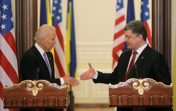Байден одобрил намерение Порошенко заменить генпрокурора
