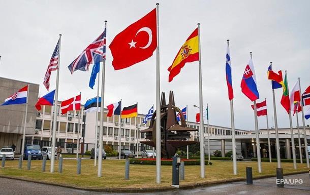 НАТО не поддержит Турцию в конфликте с Россией