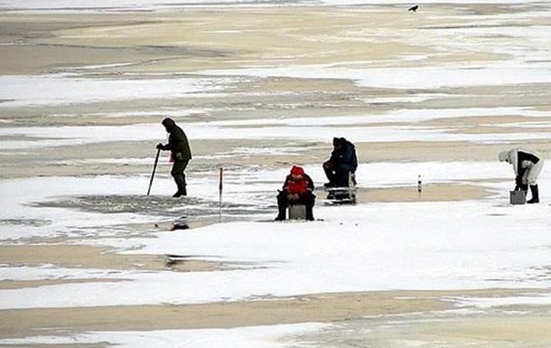 Рибалки Полтави дрейфували на крижині