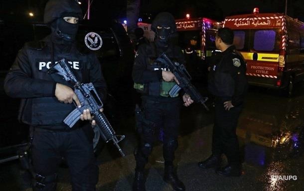 В Тунисе продлен режим ЧП