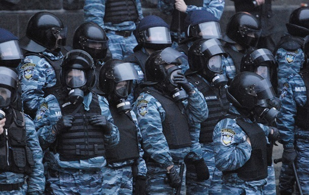 Дела стрелявших по Майдану беркутовцев направили в суд