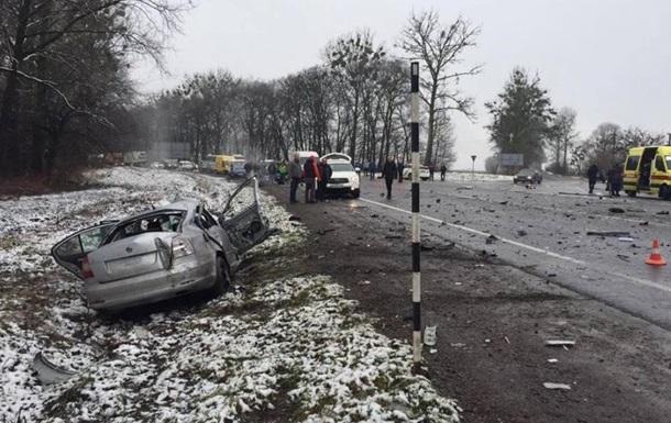 ДТП на Львовщине: двое погибших, 10 пострадавших