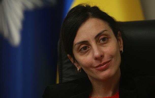 Она - это полиция. Интервью с Хатией Деканоидзе