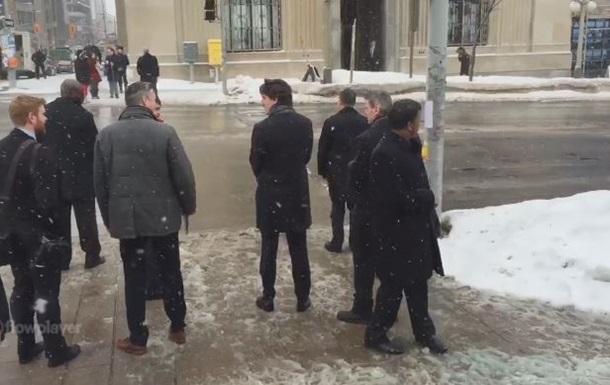 Премьер Канады ходит пешком, несмотря на снегопад