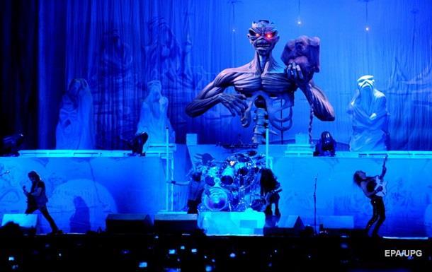 ВСальвадоре раздали билеты наконцерт Iron Maiden взамен накровь