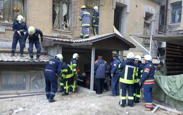 Завалений будинок в Києві ще додав загиблого