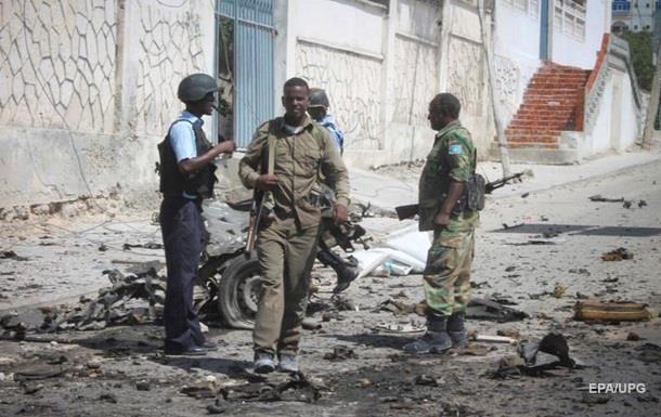 В результате теракта в Сомали погибли 14 человек