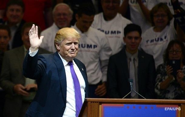Соперник Трампа обвинил его в связях с мафией