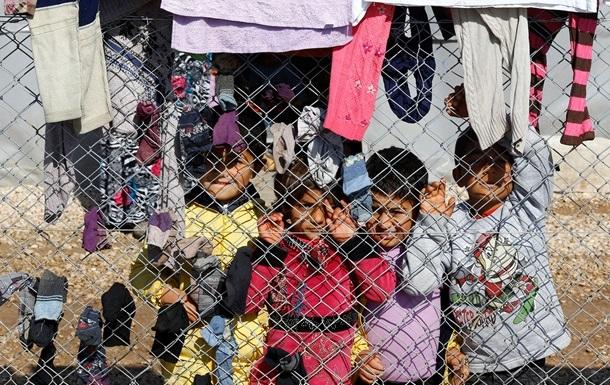 ООН отправила автоколонну с помощью сирийцам