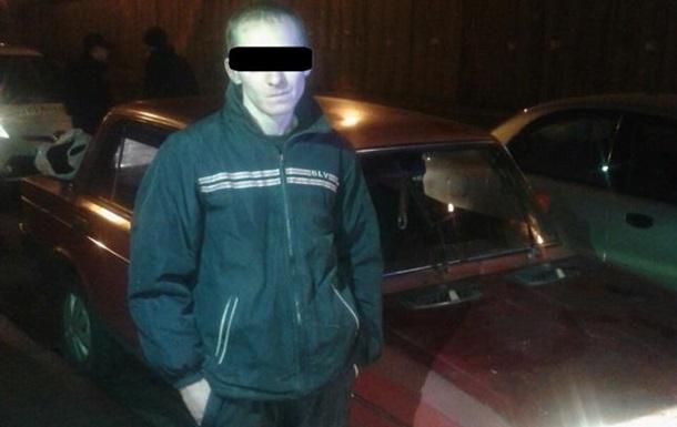 В Киеве пьяный водитель  прокатил  на капоте полицейского