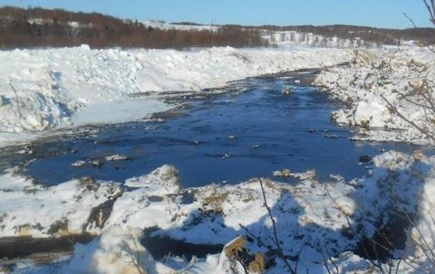 Экологи сообщают о крупном разливе нефти на Сахалине