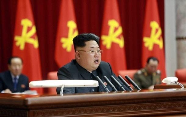 Кім Чен Ин наказав підготувати ядерну зброю до використання