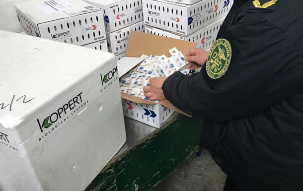 Таможенники не дали ввезти в Украину клещей и личинок на 6 миллионов