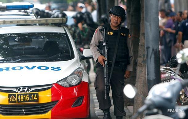 Названы имена террористов, совершивших взрывы в Индонезии