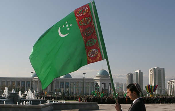 В Туркмении за неверные прогнозы уволили главного синоптика