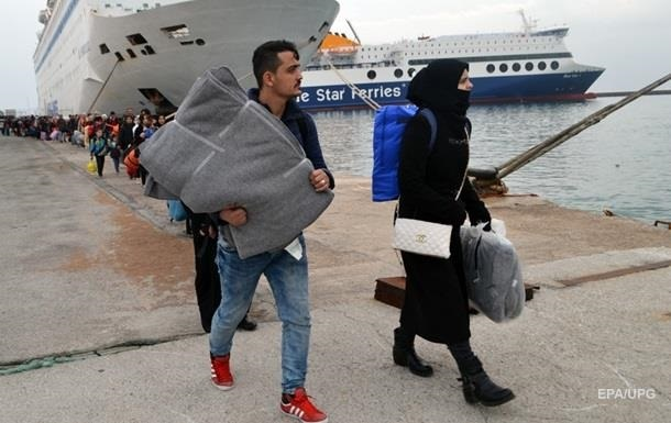 Около Ливии с судна сняли более 120 мигрантов