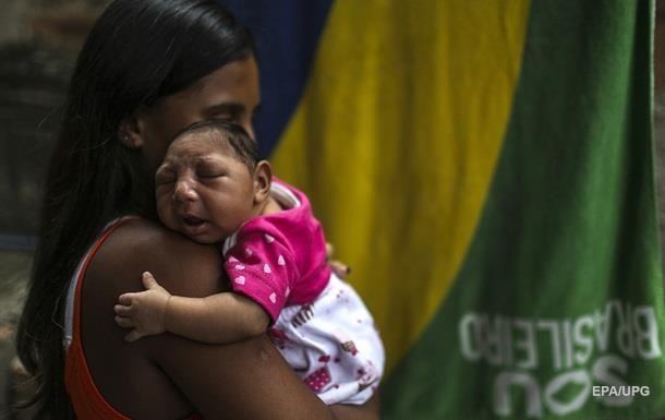 Число случаев микроцефалии в Бразилии достигло четырех тысяч