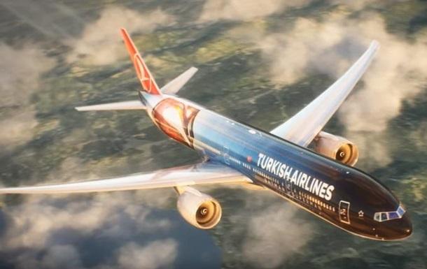 Турки раскрасили самолет в честь супергероев