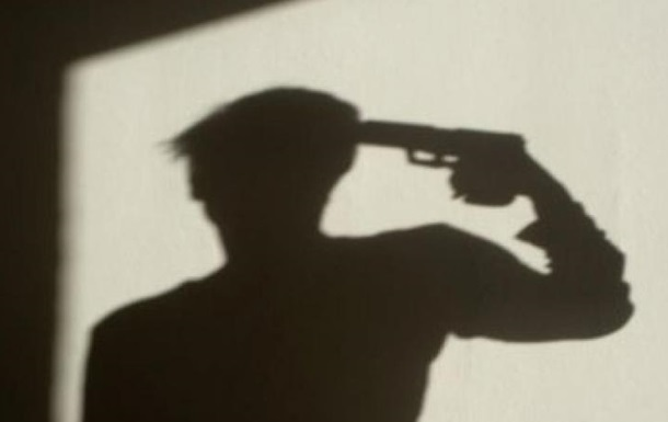 В центре Львова в авто застрелился мужчина