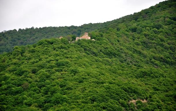 В Грузии нашли сосуд с чистой водой 1200-летней давности