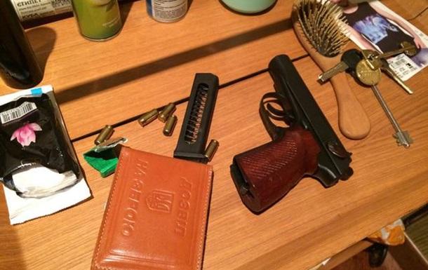 В Киеве мужчина устроил стрельбу по прохожим
