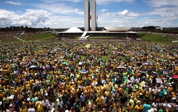 Миллионы бразильцев требуют отставки президента