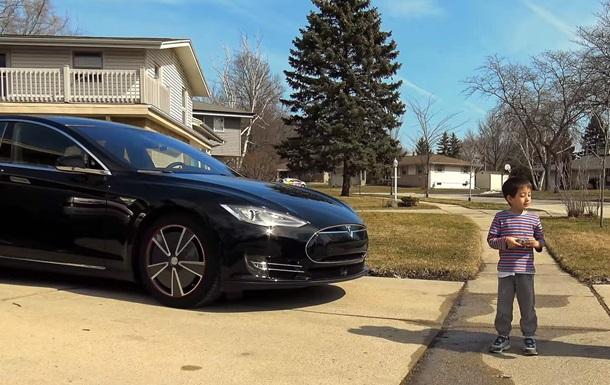 Автопилот Tesla испытали наездом на ребенка