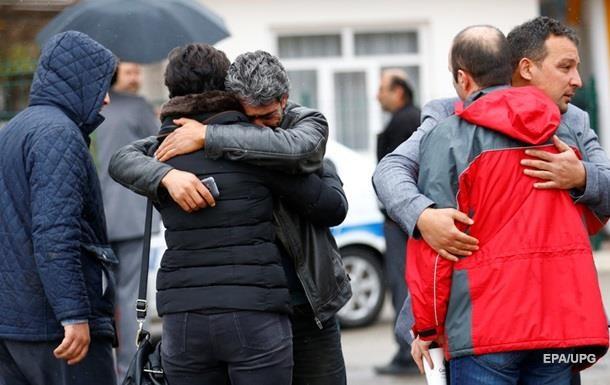 Премьер Турции возложил вину за взрыв в Анкаре на курдов