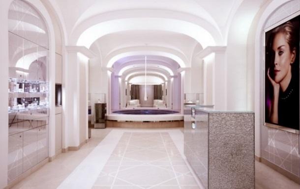 Dior открыл в Париже институт красоты