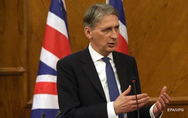 Глава МИД Британии призвал нехвалить Путина завывод войск изСирии