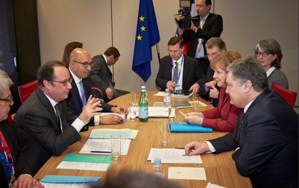 Меркель, Порошенко, Олланд обсудили Крым и Донбасс