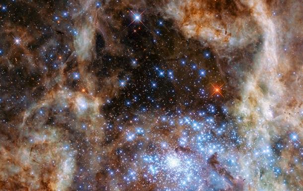 Hubble обнаружил девять звезд-монстров