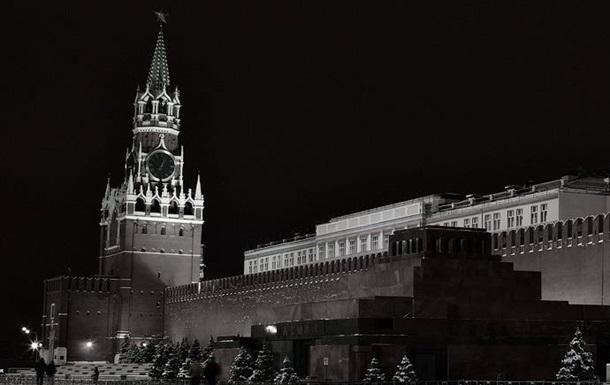 В тени кремлёвской башни