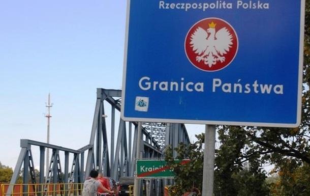 На польской границе скопились сотни грузовиков
