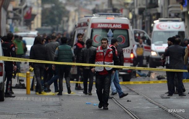 Двое американцев погибли при теракте в Стамбуле