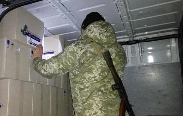 В ДНР не пустили три авто с колбасой