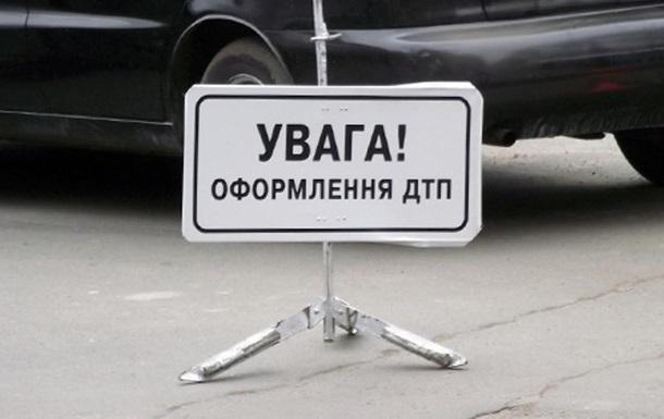 В Киеве пьяный водитель врезался в маршрутку