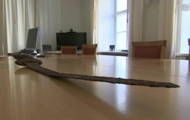 Эстония вернет меч викингов в Украину