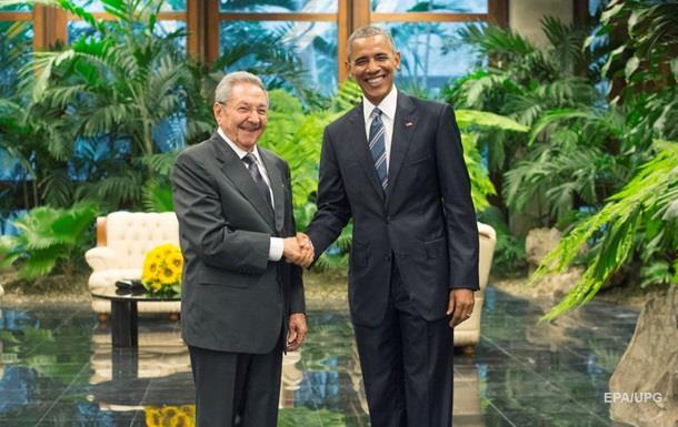 Барак Обама встретился с Раулем Кастро на Кубе